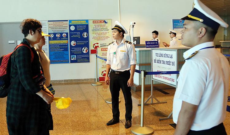 Hơn 480 du khách Trung Quốc được đưa về nước